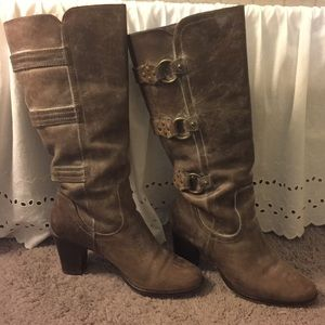 Matisse Leather brown heeled boots with buckles